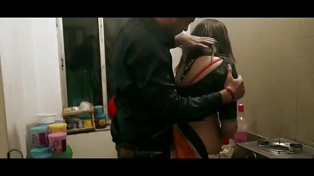 پورنو داغ بدون ثبت نام  - نونوجوان فیلم پورن یواشکی آسیایی fucks در عروسک تا زمانی که او cums